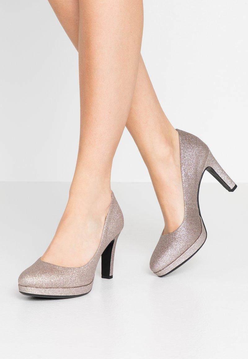 Tamaris - WOMS COURT SHOE - Zapatos altos - space glam