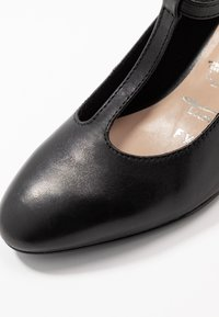 Tamaris - Klassieke pumps - black - 2