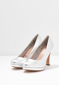 Tamaris - Zapatos altos - silver - 4