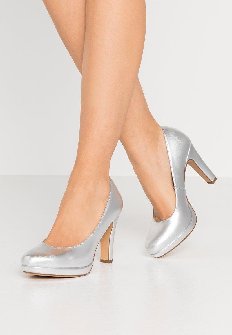 Tamaris - Zapatos altos - silver