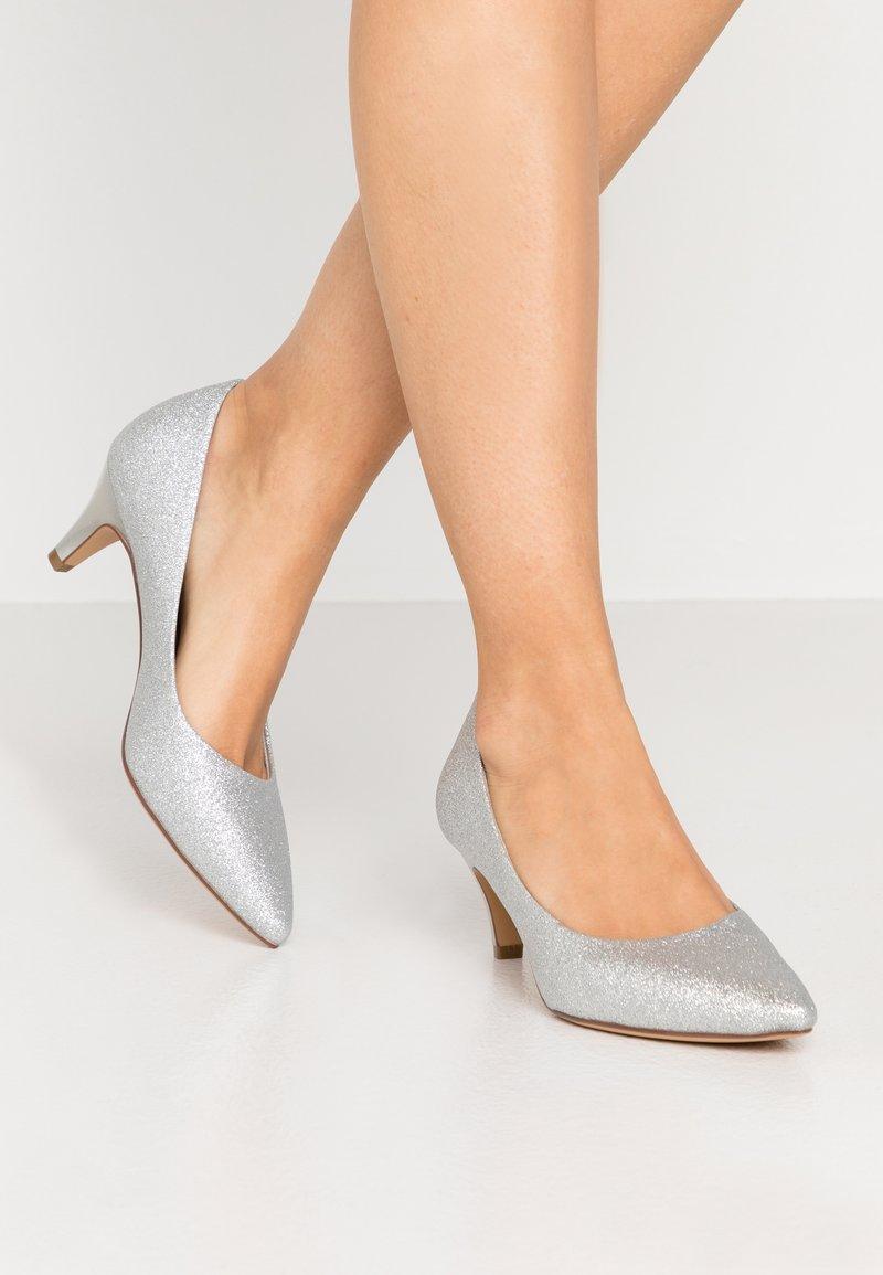 Tamaris - COURT SHOE - Classic heels - silver glam