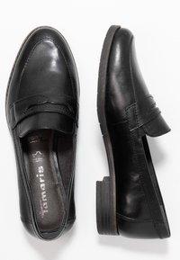 Tamaris - DA.-SLIPPER - Nazouvací boty - black - 3