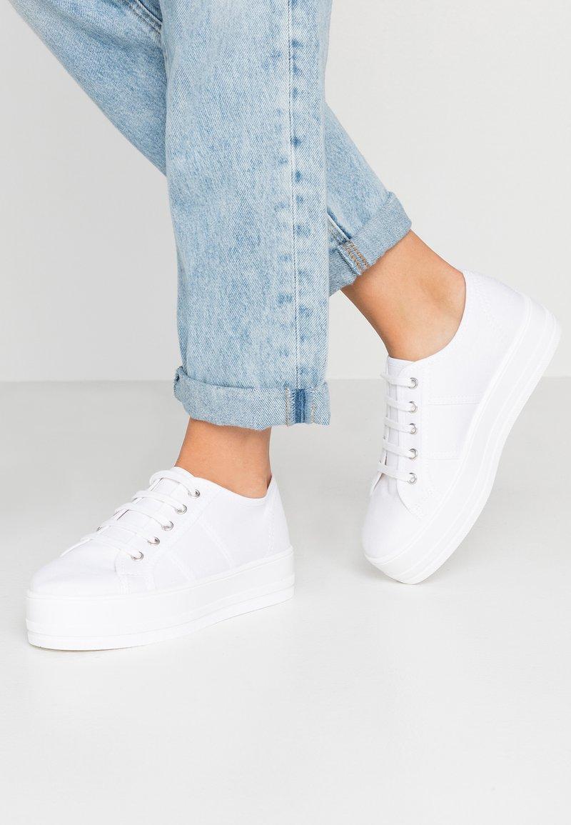 Tamaris - Sneakers basse - white