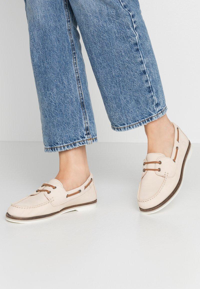 Tamaris - WOMS LACE-UP - Chaussures bateau - antelope