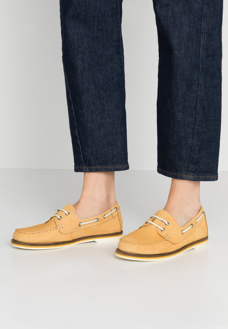 Tamaris - WOMS LACE-UP - Chaussures bateau - yellow
