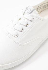 Tamaris - Sneakers laag - white - 2