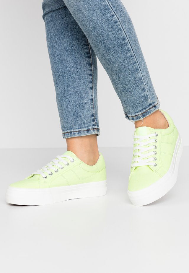 LACE-UP - Tenisky - lime neon