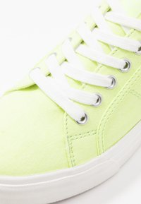 Tamaris - LACE-UP - Trainers - lime neon - 2