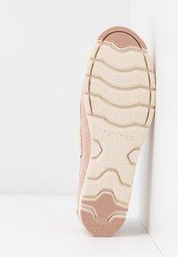 Tamaris - WOMS LACE-UP - Chaussures bateau - rose - 6