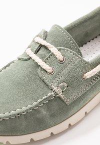 Tamaris - WOMS LACE-UP - Chaussures bateau - sage - 2
