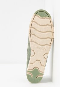 Tamaris - WOMS LACE-UP - Chaussures bateau - sage - 6