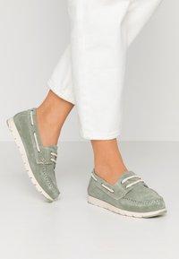 Tamaris - WOMS LACE-UP - Chaussures bateau - sage - 0