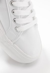 Tamaris - WOMS LACE UP - Trainers - white - 2