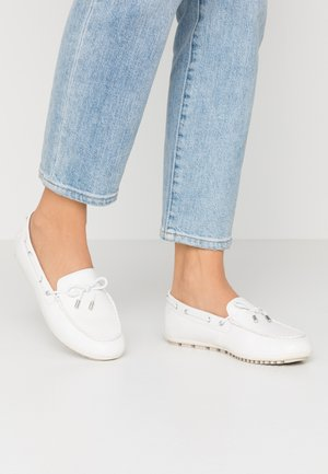 WOMS SLIP-ON - Boat shoes - offwhite