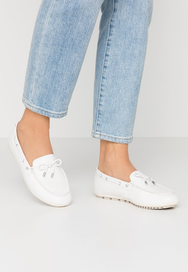 WOMS SLIP-ON - Bootschoenen - offwhite
