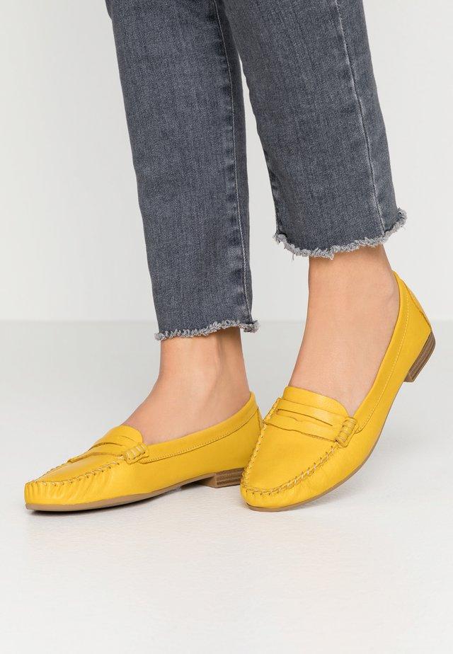 WOMS SLIP-ON - Nazouvací boty - sun