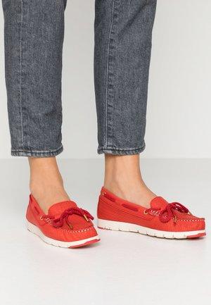 SLIP-ON - Mocasines - red