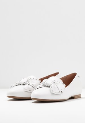 Loafers - white