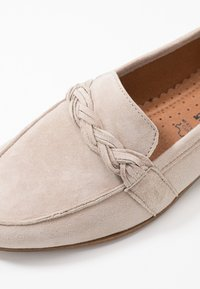 Tamaris - Nazouvací boty - taupe - 2