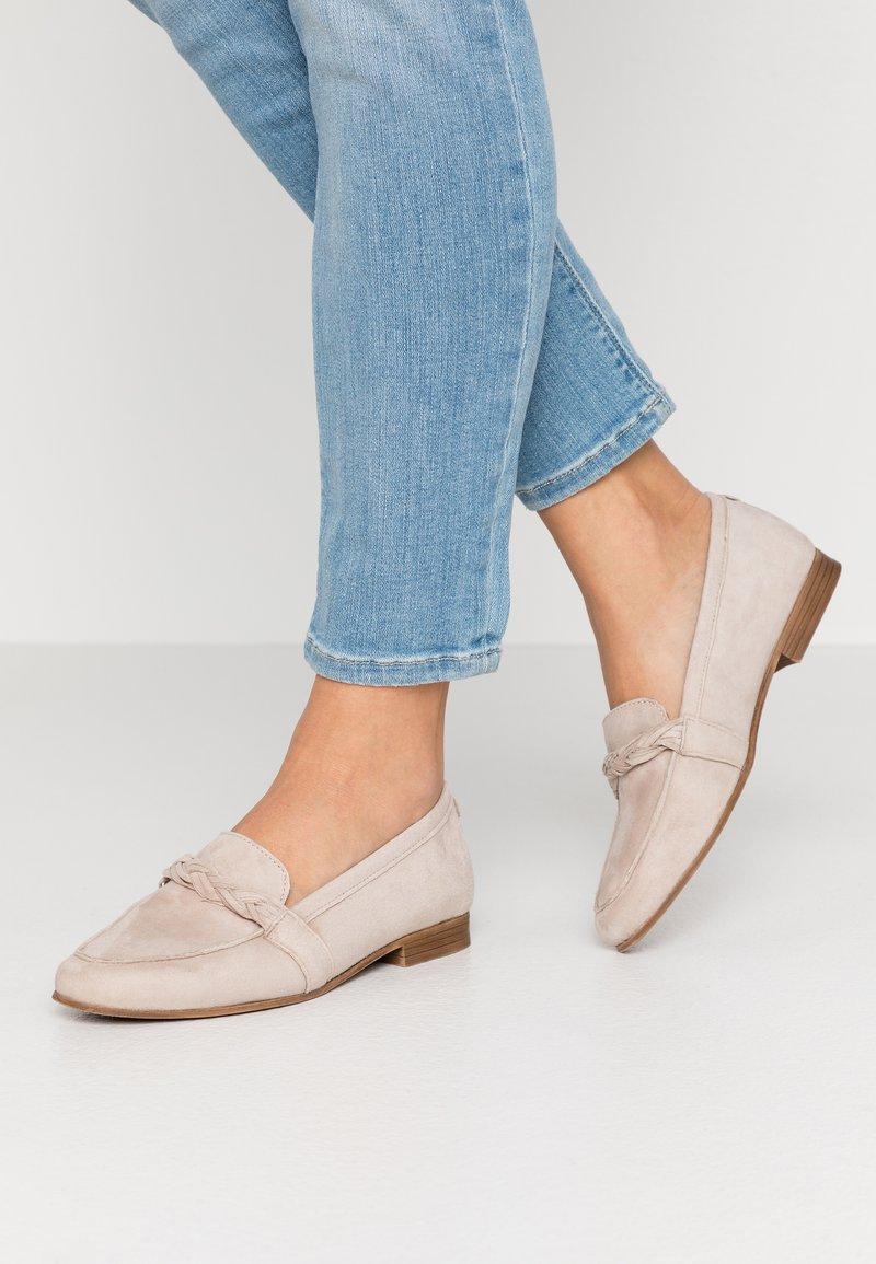 Tamaris - Nazouvací boty - taupe