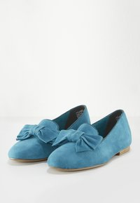 Tamaris - WOMS X MISS GERMANY KOLLEKTION - Slip-ons - turquoise - 7