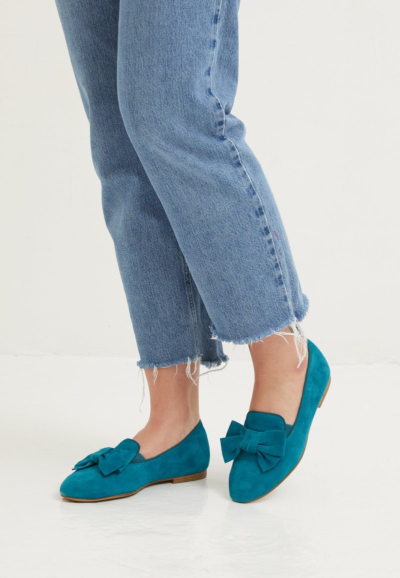 Tamaris - WOMS X MISS GERMANY KOLLEKTION - Slip-ons - turquoise
