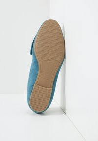 Tamaris - WOMS X MISS GERMANY KOLLEKTION - Slip-ons - turquoise - 9