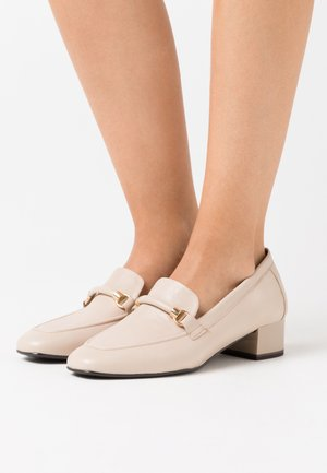Loafers - ivory