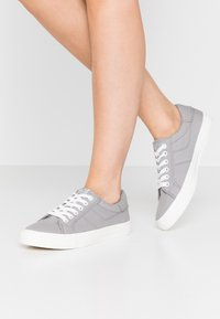 Tamaris - LACE UP - Trainers - grey - 0