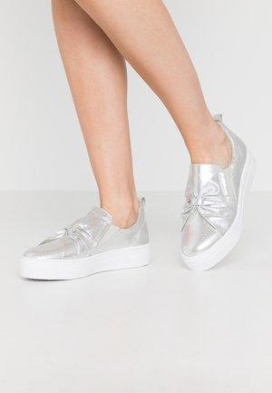 Nazouvací boty - silver