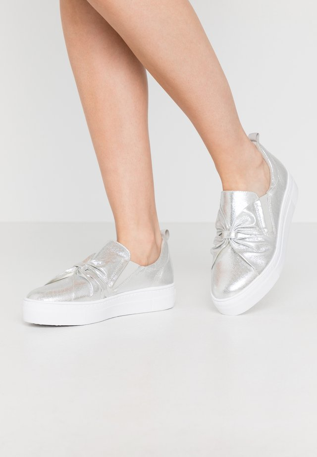 Loaferit/pistokkaat - silver