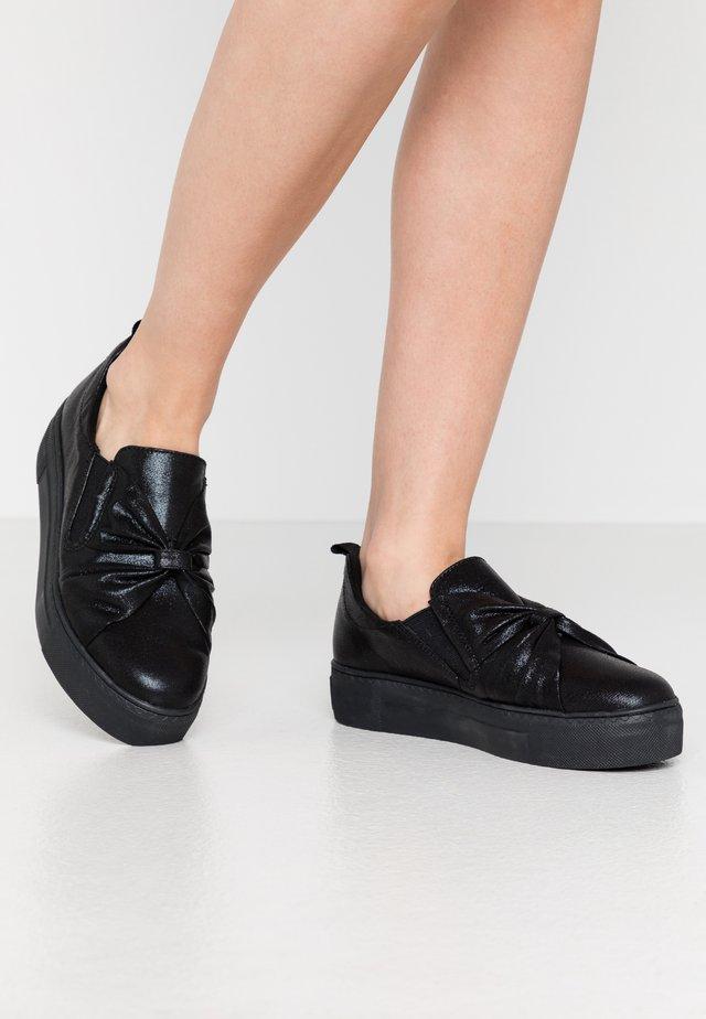 Slippers - black metallic