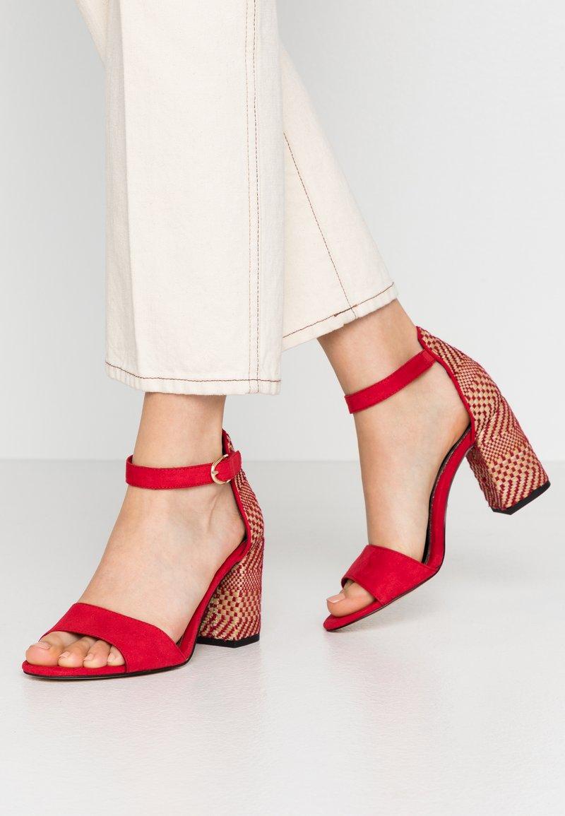 Tamaris - High heeled sandals - lipstick
