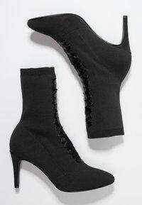 Tamaris - Kotníkové boty - black - 3