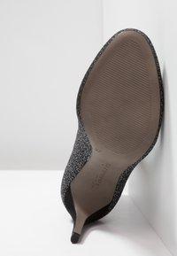 Tamaris - Botines - black/silver - 6