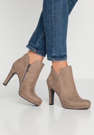 WOMS BOOTS - High heeled ankle boots - pepper