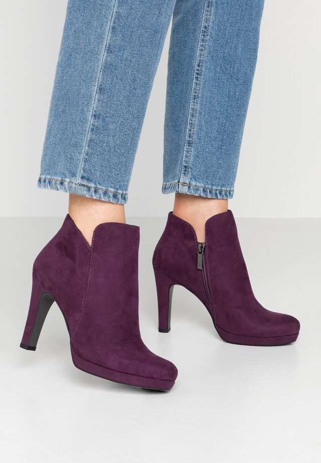 WOMS BOOTS - High Heel Stiefelette - purple
