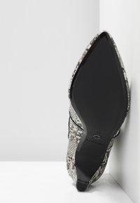 Tamaris - Kotníkové boty - grey - 6