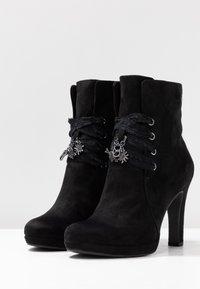 Tamaris - DA.-STIEFEL - Kotníková obuv na vysokém podpatku - black - 4