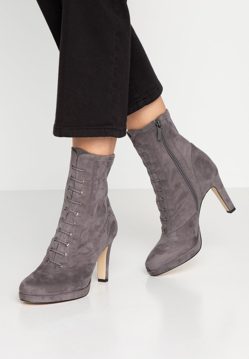 Tamaris - High heeled ankle boots - graphite