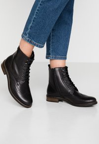 Tamaris - Bottines à lacets - black - 0