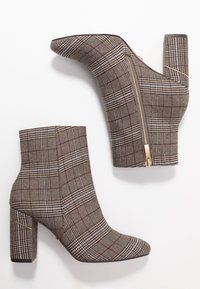 Tamaris - Classic ankle boots - grey - 3