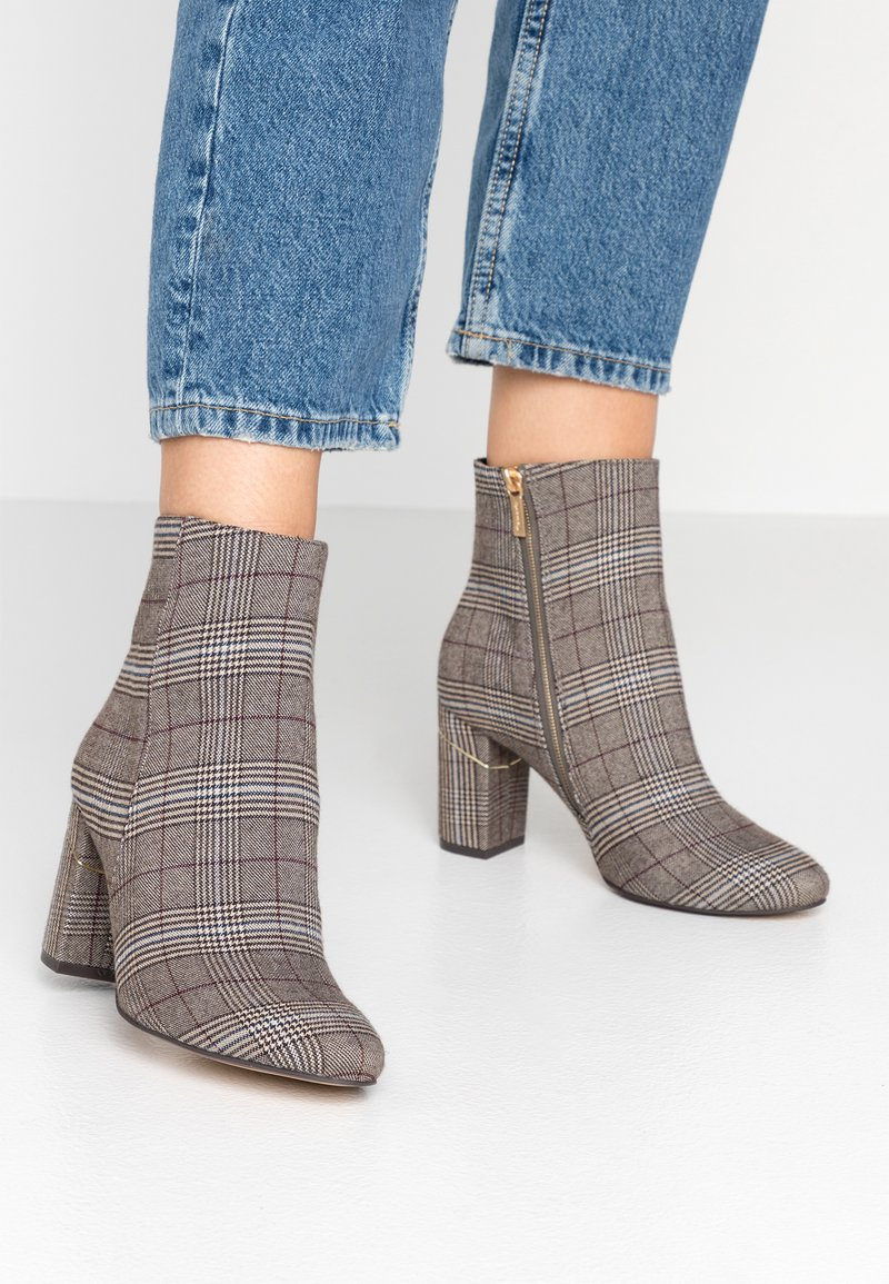 Tamaris - Classic ankle boots - grey