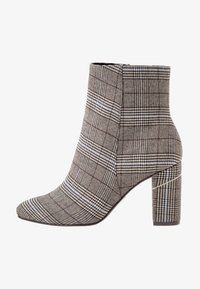 Tamaris - Classic ankle boots - grey - 1