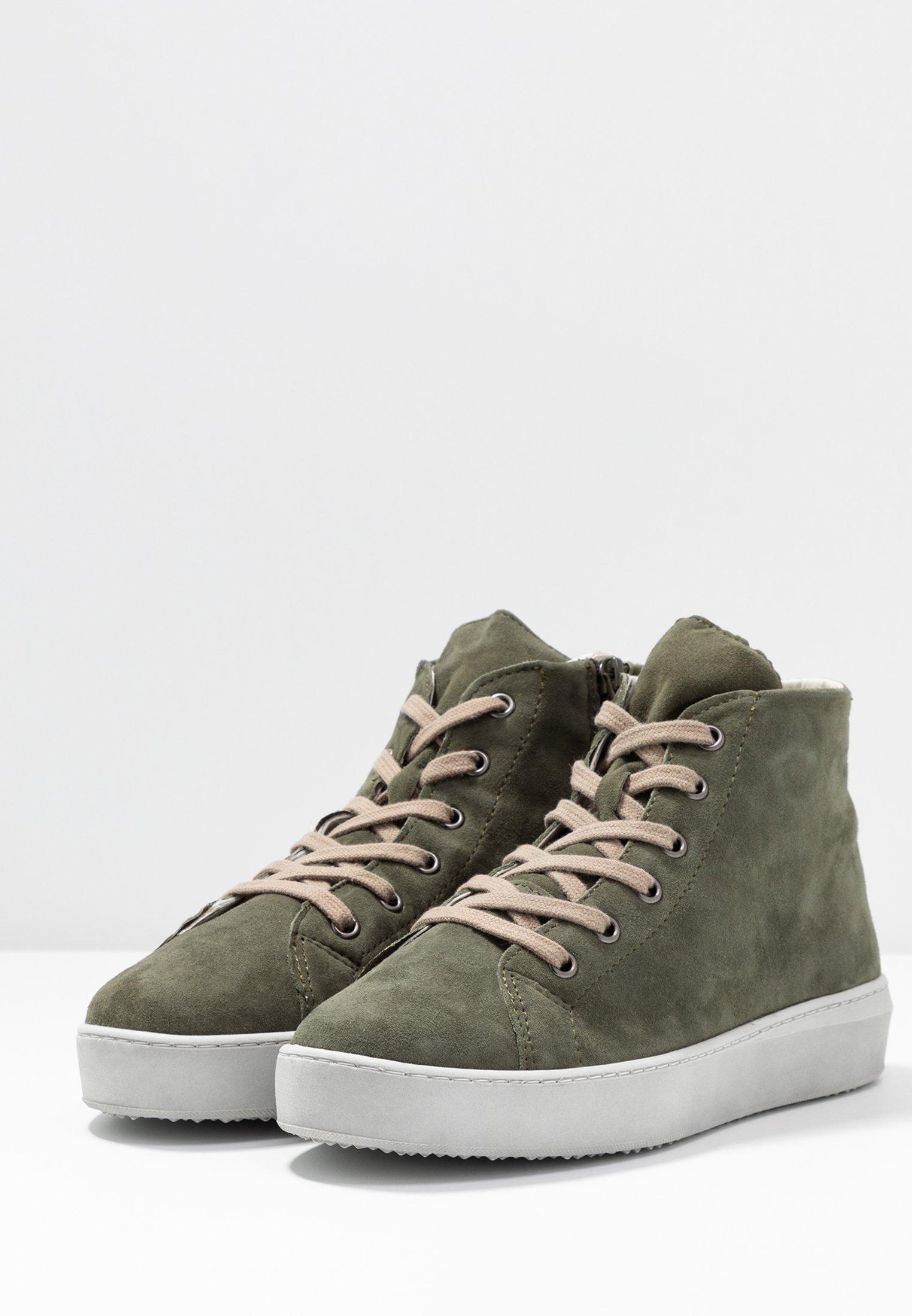 Sneaker high bottle