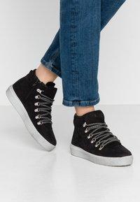 Tamaris - Kotníková obuv - black - 0