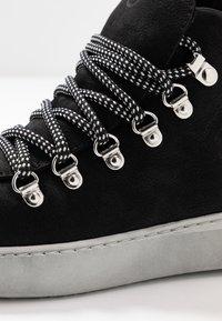 Tamaris - Kotníková obuv - black - 2