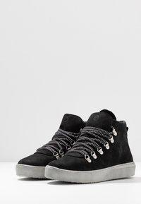 Tamaris - Kotníková obuv - black - 4