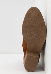 Tamaris - BOOTS - Cowboy/biker ankle boot - cognac - 6