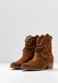 Tamaris - BOOTS - Cowboy/biker ankle boot - cognac - 4